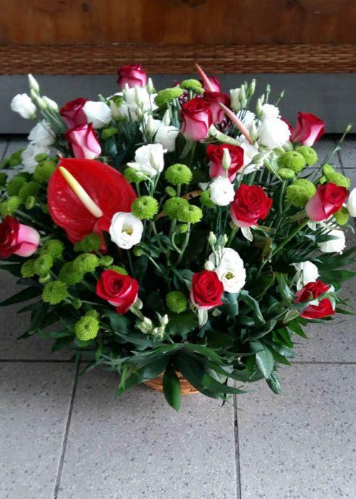 AFN-09 Aranjament in cos cu anthurium ,trandafiri ,eustoma ,