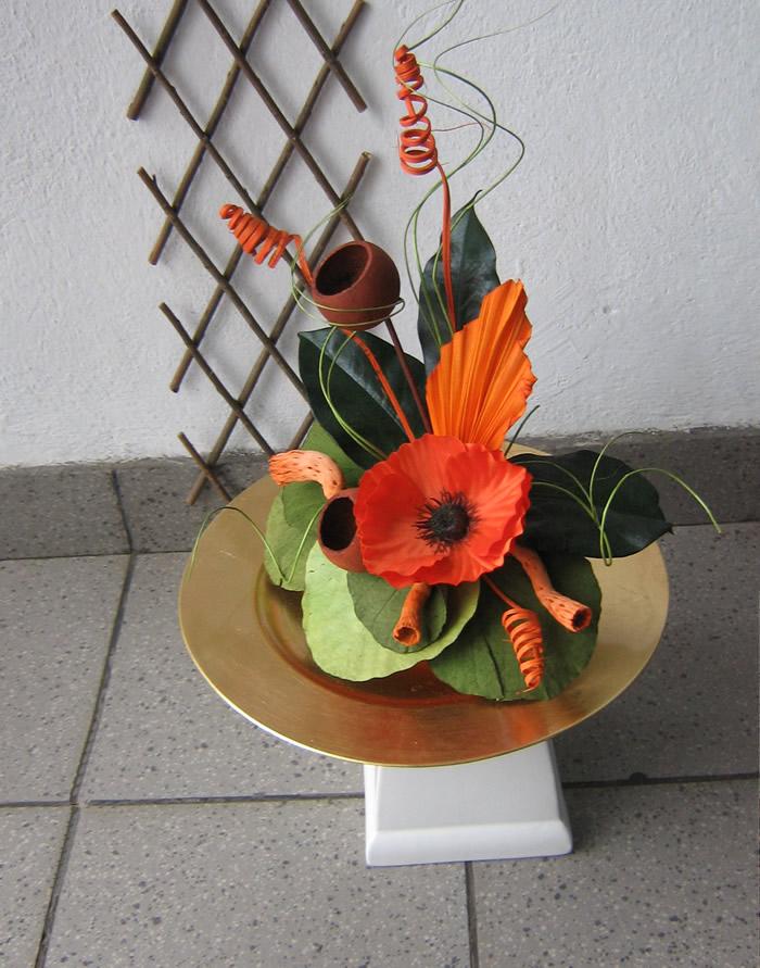 Aranjament Plante Uscate Si Flori Artificiale Pe Platou Rotund