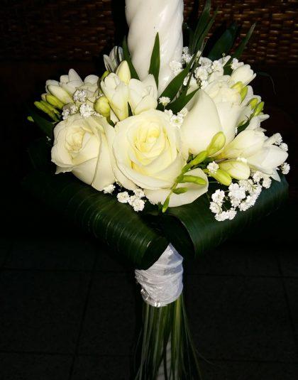Lumanare cununie cu trandafiri albi, fresia alba