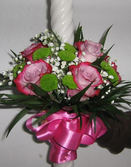 Lumanare cununie pe rotund cu trandafiri ,santini ,gyps