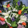Buchet crini ,irisi ,lalele cu gypsophila ,verdeata